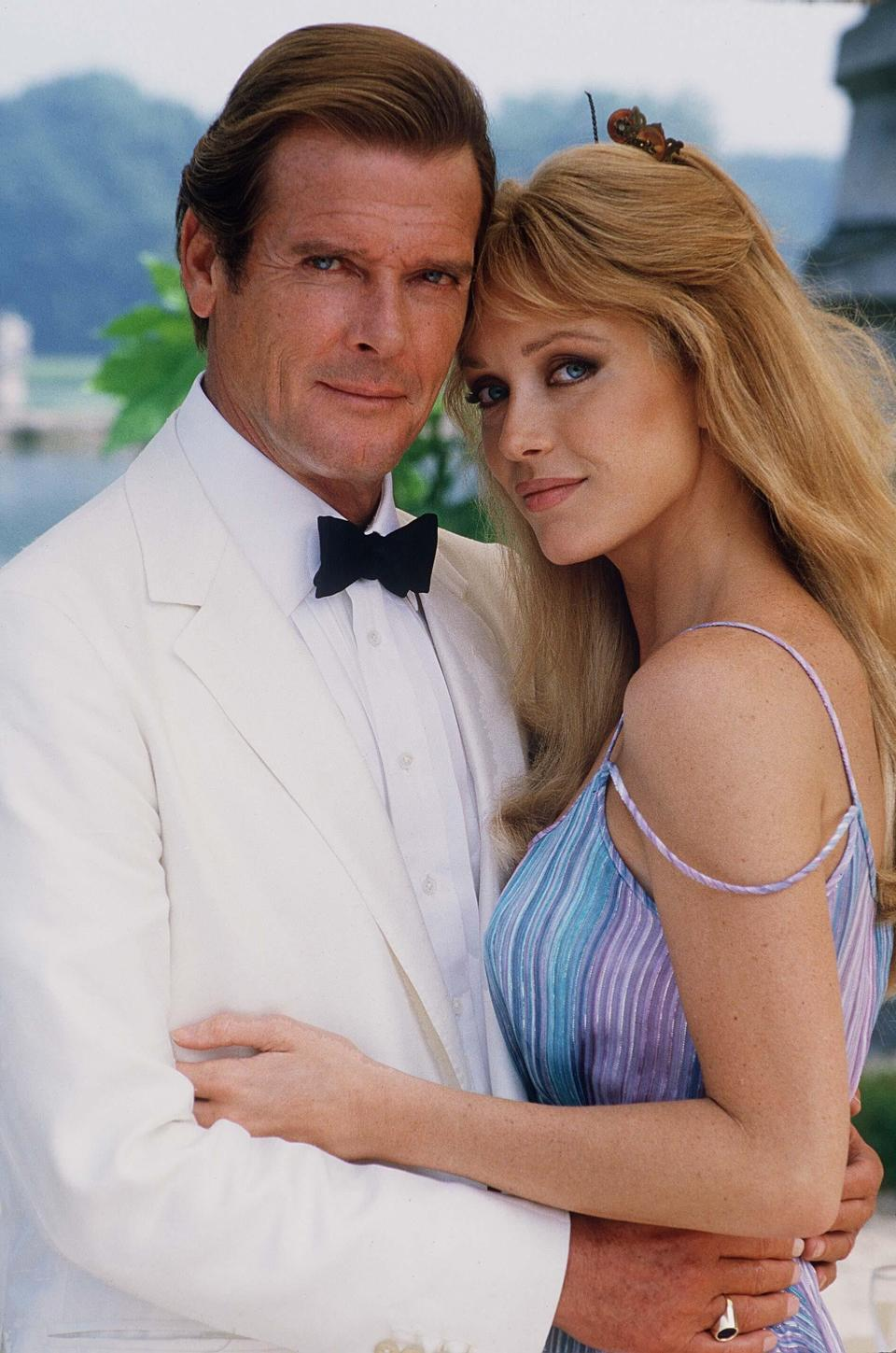 Con Roger Moore (Capital / MediaPunch /IPX)