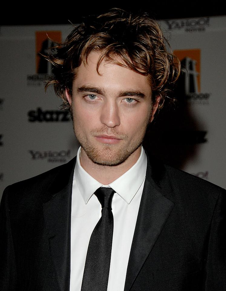 """<a href=""""http://movies.yahoo.com/movie/contributor/1808623206"""">Robert Pattinson</a> at the 12th Annual Hollywood Film Festival Awards Gala in Beverly Hills - 10/27/2008"""
