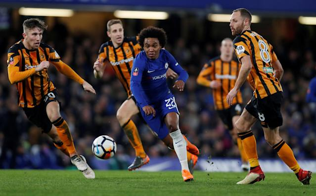 Soccer Football - FA Cup Fifth Round - Chelsea vs Hull City - Stamford Bridge, London, Britain - February 16, 2018 Chelsea's Willian in action with Hull City's David Meyler Action Images via Reuters/Paul Childs TPX IMAGES OF THE DAY