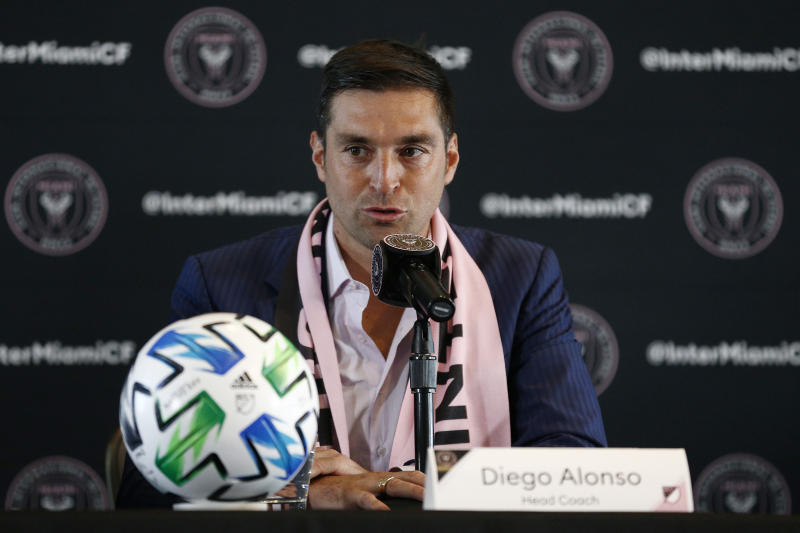 MIAMI, FLORIDA - JANUARY 22: Inter Miami CF head coach Diego Alonso addresses the media during his introductory press conference at the Rusty Pelican on January 22, 2020 in Miami, Florida. (Photo by Michael Reaves/Getty Images)