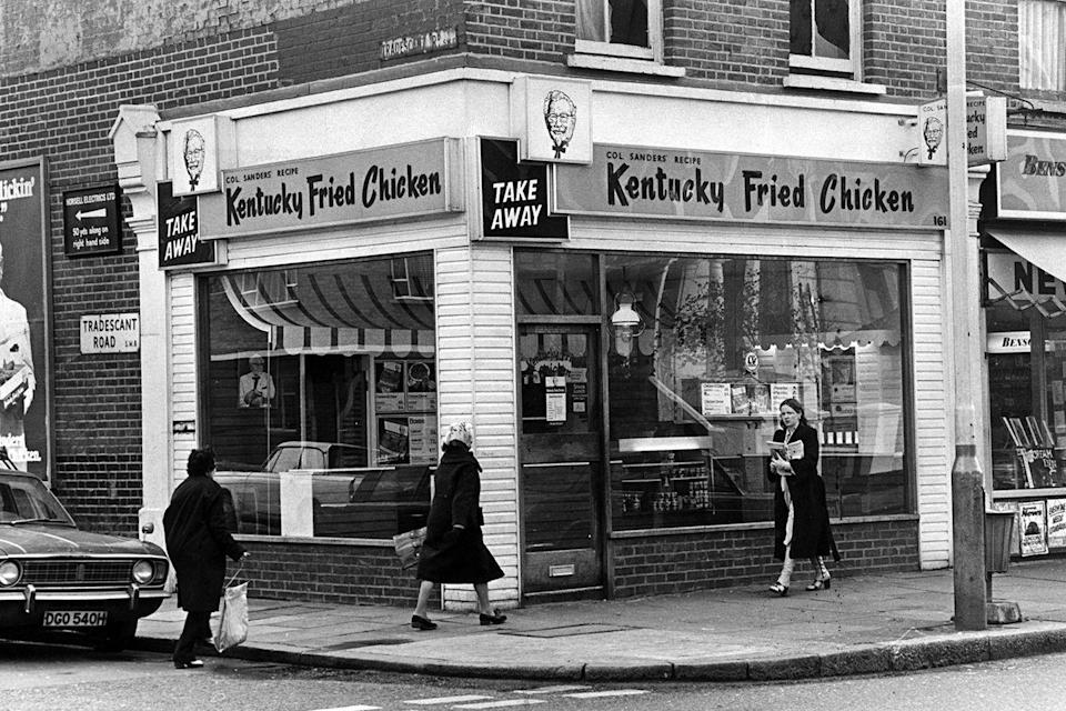 "<p>With over 1,000 locations throughout the U.S. in 1966, Kentucky Fried Chicken popularized the idea of a ""take away"" fast food meal, with advertisements proclaiming: ""We fix Sunday dinner seven days a week.""</p>"