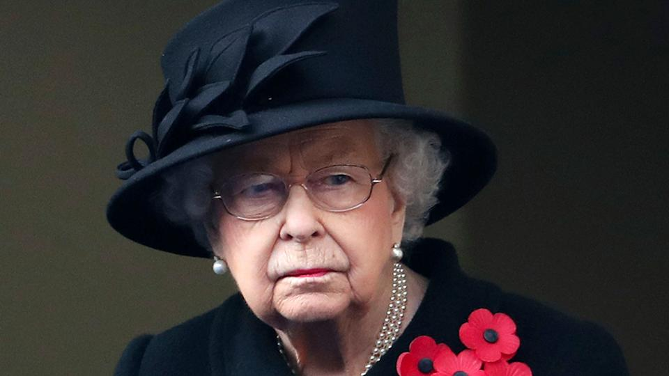 queen elizabeth looking sad