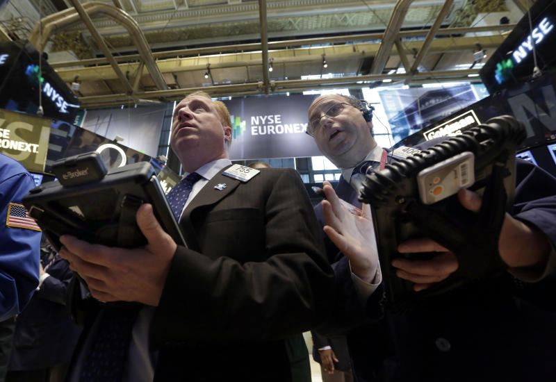 US stocks follow global markets lower