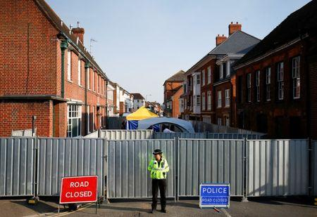 British man poisoned with Novichok regains consciousness: hospital