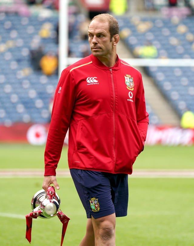 Alun Wyn Jones with his left arm in his pocket, protecting his dislocated shoulder
