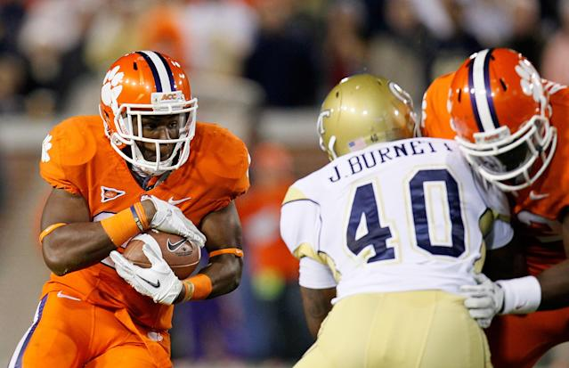 ATLANTA, GA - OCTOBER 29: D.J. Howard #22 of the Clemson Tigers rushes against the Georgia Tech Yellow Jackets at Bobby Dodd Stadium on October 29, 2011 in Atlanta, Georgia. (Photo by Kevin C. Cox/Getty Images)