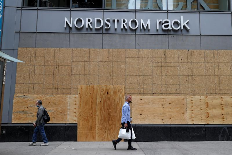 Image: Businesses in midtown Manhattan boarded up during continued protests in New York (Mike Segar / Reuters)