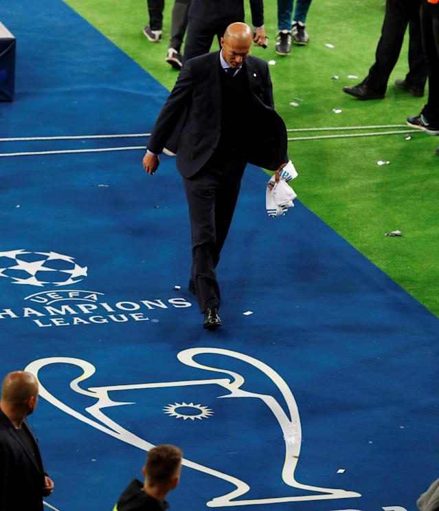 Soccer Football - Champions League Final - Real Madrid v Liverpool - NSC Olympic Stadium, Kiev, Ukraine - May 26, 2018 Real Madrid coach Zinedine Zidane celebrates after winning the Champions League REUTERS/Phil Noble
