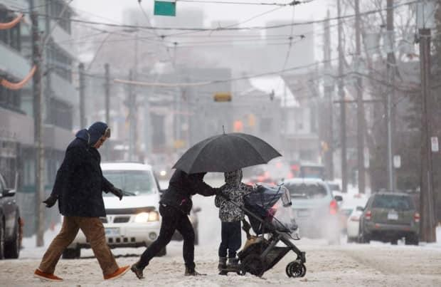 A snowfall warning is in effect for the GTA as parts of southern Ontario are expected to see between 15 and 25 centimeters of snow on Monday into Tuesday.