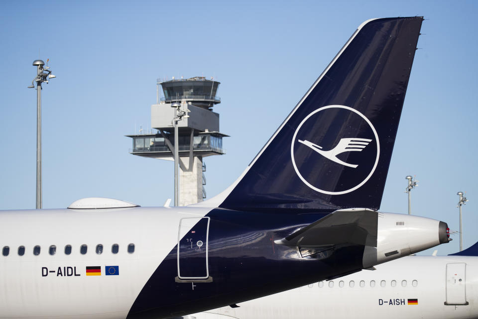 An airplane of Lufthansa is seen by the control tower of newly opened BER Berlin Brandenburg Willy Brandt Airport in Schoenefeld near Berlin, Germany on November 4, 2020. The airport started operation on Oktober 31, 2020 with almost 11 years of delay from the first prevented opening. (Photo by Emmanuele Contini/NurPhoto via Getty Images)