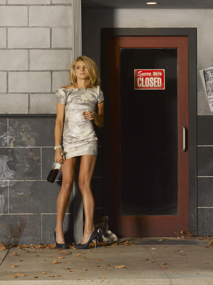 "ABC's ""Happy Endings"" stars Eliza Coupe as Jane."