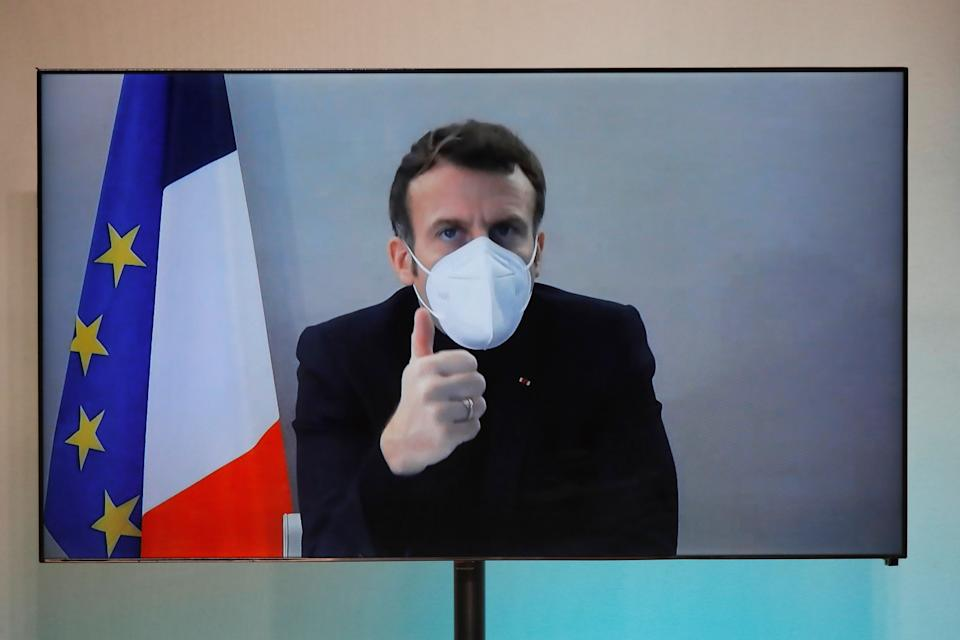 Emmanuel Macron en visio conférence le 17 décembre 2020.  (Photo: CHARLES PLATIAU via Getty Images)