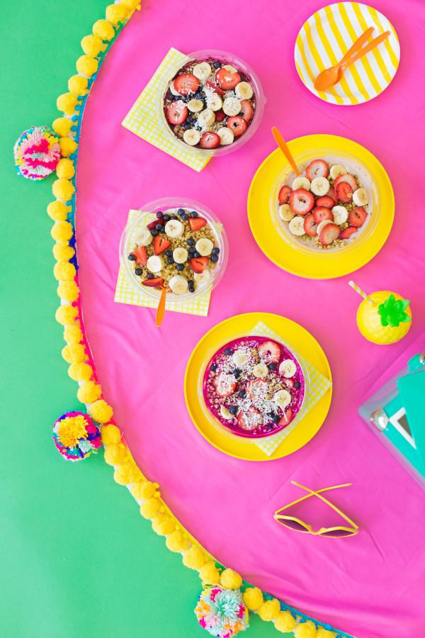 "<p>Have the best picnic rug in the park by giving it a pom pom edge. [<i><a href=""http://studiodiy.com/2016/04/21/diy-pom-pom-picnic-blanket/"">DIY Studio]</a></i></p>"