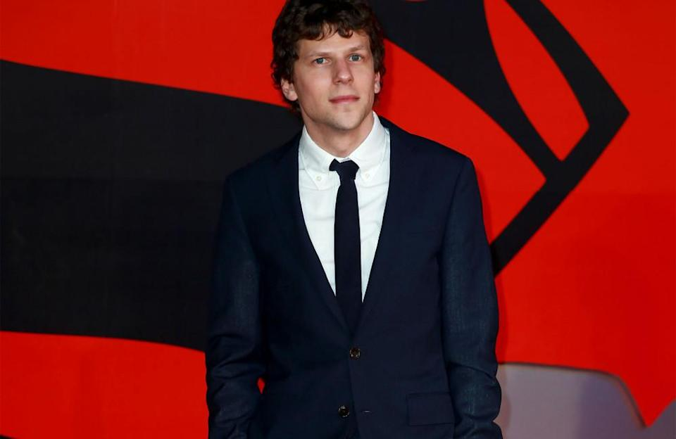 A Washington Post article reported that Jesse Eisenberg is not really into doing press. It seems the 'Social Network' star believes his social skills are as awkward as the ones of the characters he usually portrays, so he avoids public appearances and/or interviews.