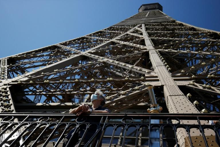 Eiffel Tower evacuated for 2 hours after bomb threat: police