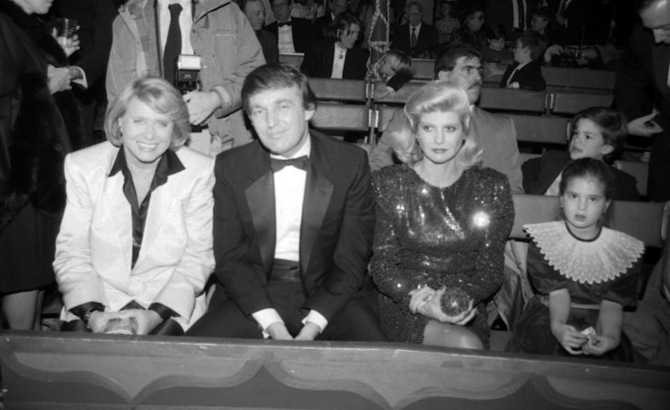Liz Smith, who wrote about the biggest names in NYC, befriended Donald and Ivana Trump, pictured here with Ivanka in 1987. (Photo: Getty Images)