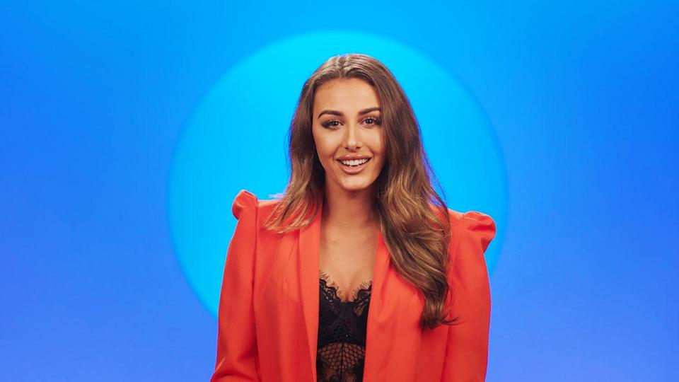 """<p>The first UK entrant on the American <em>Circle</em>, Chloe is a familiar face on the reality TV circuit, having appeared on Netflix's other hit, <a href=""""https://www.menshealth.com/entertainment/a32065508/netflix-too-hot-to-handle-cast/"""" rel=""""nofollow noopener"""" target=""""_blank"""" data-ylk=""""slk:Too Hot to Handle."""" class=""""link rapid-noclick-resp""""><em>Too Hot to Handle</em>.</a> The 22-year-old Brit is a model with more than 1.4 million followers on <a href=""""https://www.instagram.com/chloeveitchofficial/?hl=en"""" rel=""""nofollow noopener"""" target=""""_blank"""" data-ylk=""""slk:Instagram"""" class=""""link rapid-noclick-resp"""">Instagram</a>, making her a social media savant.</p>"""