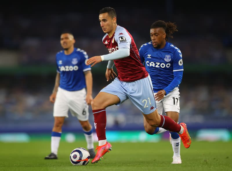 Premier League - Everton v Aston Villa