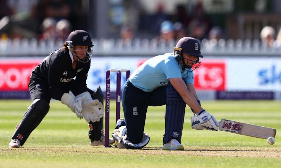 Heather Knight top-scored for England with a knock of 89.