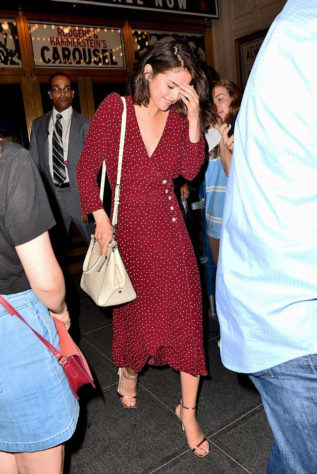 Selena Gomez leaves a Broadway show while wearing Rouje. (Photo: Splash)