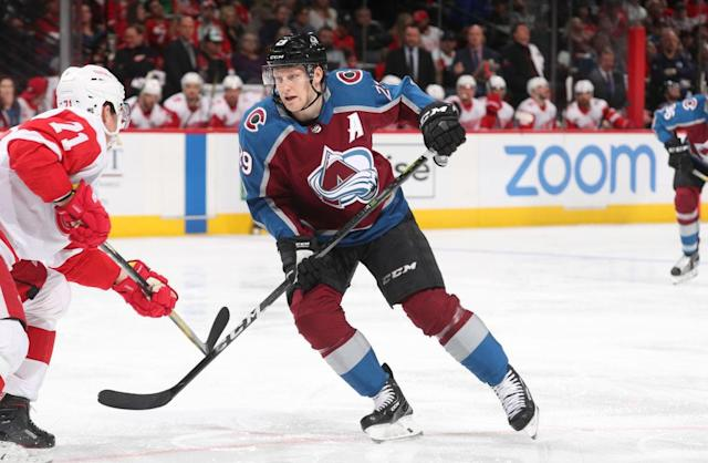 "<a class=""link rapid-noclick-resp"" href=""/nhl/players/5980/"" data-ylk=""slk:Nathan MacKinnon"">Nathan MacKinnon</a> deserves to win the Hart by a landslide. (Michael Martin/NHLI via Getty Images)"