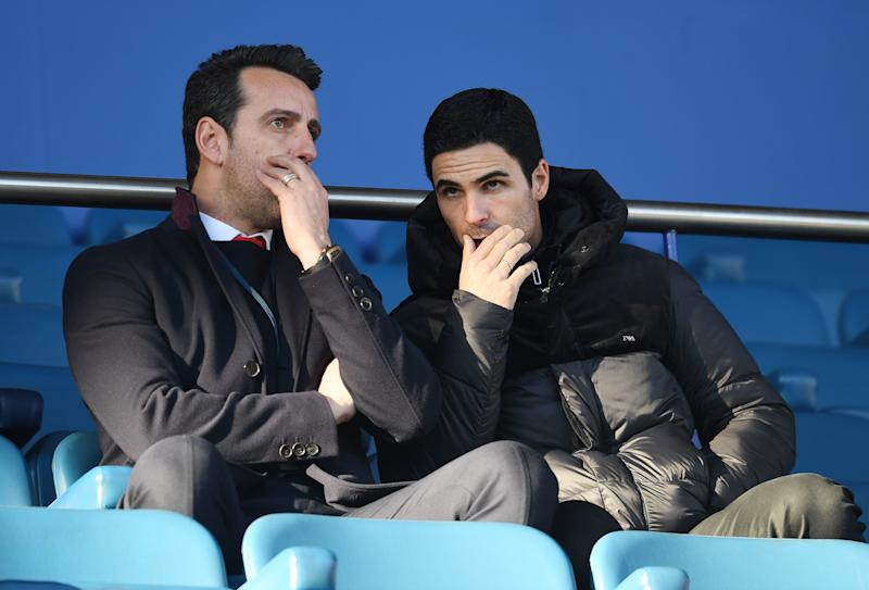 LIVERPOOL, ENGLAND - DECEMBER 21: Arsenal Head Coach Mikel Arteta (R) and Technical Director Edu speak before the Premier League match between Everton FC and Arsenal FC at Goodison Park on December 21, 2019 in Liverpool, United Kingdom. (Photo by Stuart MacFarlane/Arsenal FC via Getty Images)