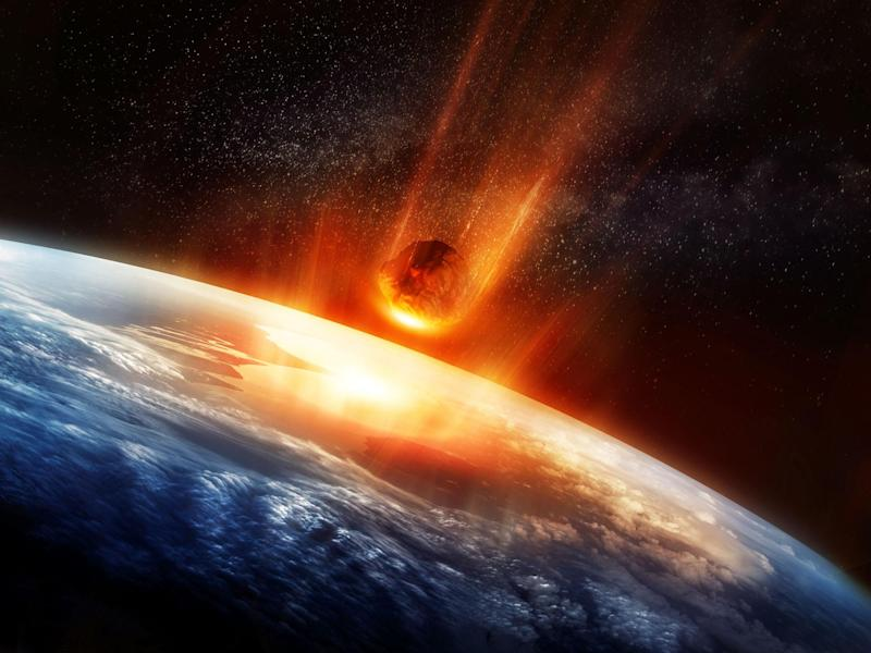 A large Meteor burning and glowing as it hits the earth's atmosphere: Getty Images/iStockphoto