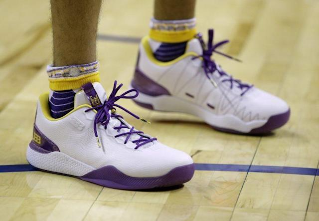"""These are <a class=""""link rapid-noclick-resp"""" href=""""/ncaab/players/136151/"""" data-ylk=""""slk:Lonzo Ball"""">Lonzo Ball</a>'s other shoes. <a class=""""link rapid-noclick-resp"""" href=""""/nba/players/3704/"""" data-ylk=""""slk:LeBron James"""">LeBron James</a> isn't a fan. (AP)"""