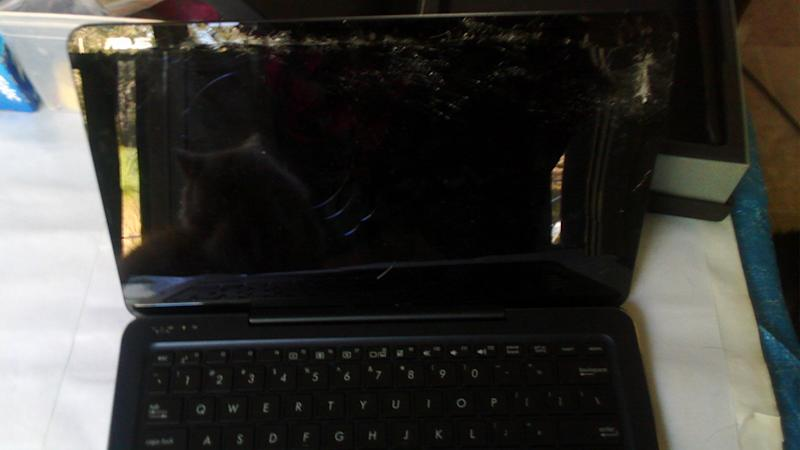 This laptop was delivered to a Brisbane woman with a broken screen by Australia Post.