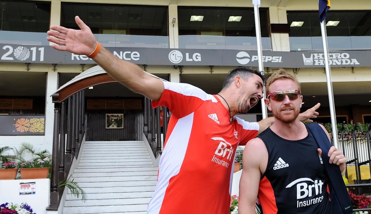 England cricketer Kevin Pietersen (L) jokes with teammate Paul Collingwood as they arrive for a training session at the Vidarbha Cricket Association Stadium in Nagpur on February 21, 2011. England play The Netherlands on February 22, in Match 5 of the ICC Cricket World Cup 2011 tournament. AFP PHOTO/Indranil MUKHERJEE (Photo credit should read INDRANIL MUKHERJEE/AFP/Getty Images)