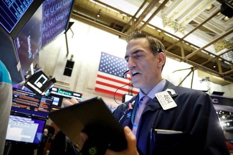 NYSE short interest fell 1.6 percent in late October