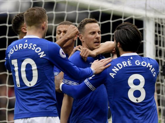 Everton celebrate (Getty)