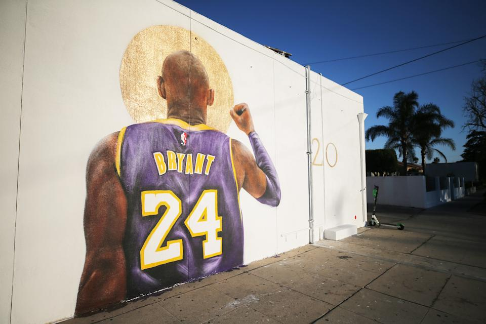 BURBANK, CALIFORNIA - FEBRUARY 16: A mural depicting deceased NBA star Kobe Bryant, painted by Isaac Pelayo, is displayed on a building on February 16, 2020 in Burbank, California. Numerous murals depicting Bryant have been created around greater Los Angeles following their tragic deaths in a helicopter crash which left a total of nine dead. A public memorial service honoring Bryant will be held February 24 at the Staples Center in Los Angeles, where Bryant played most of his career with the Los Angeles Lakers.  (Photo by Mario Tama/Getty Images)