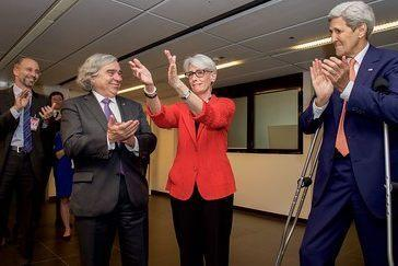 Wendy Sherman, then the under secretary of state for political affairs, with then-Secretary of State John Kerry, right, thanking members of the US negotiating team on July 14, 2015, after the Iranian nuclear agreement was announced. Photo: US State Department