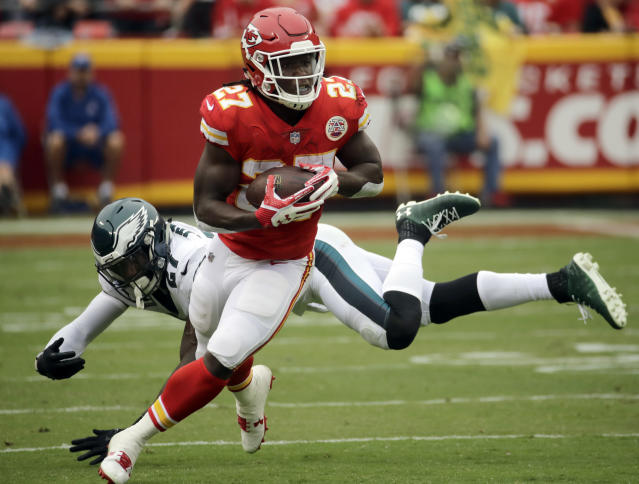 "<a class=""link rapid-noclick-resp"" href=""/nfl/teams/kan/"" data-ylk=""slk:Kansas City Chiefs"">Kansas City Chiefs</a> running back <a class=""link rapid-noclick-resp"" href=""/nfl/players/30199/"" data-ylk=""slk:Kareem Hunt"">Kareem Hunt</a> has five touchdowns through his first to NFL games. (AP Photo/Charlie Riedel)"