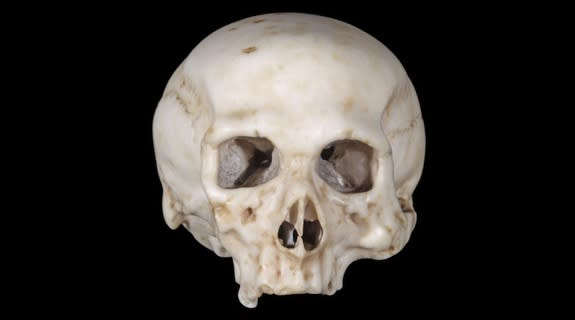 """A researcher thinks this skull model is crafted from an agate-based mixture, or """"mistioni,"""" that Leonardo da Vinci was experimenting with in the early 16th century."""