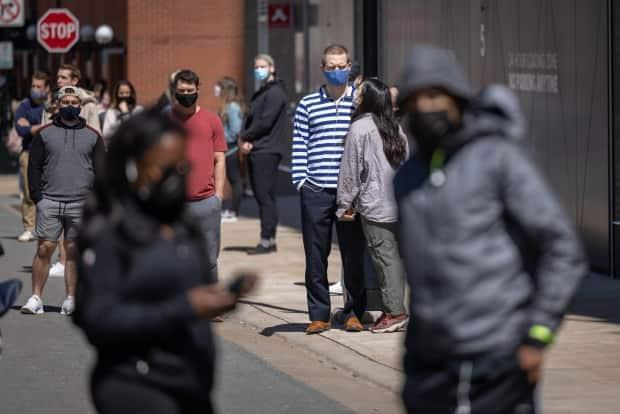 Statistics Canada says it will do more to account for the 232,375 people who belong to two or more visible minority groups. (Robert Short/CBC - image credit)