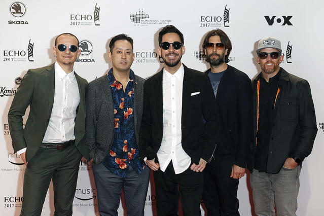 <p>Chester Bennington, Joe Hahn, Mike Shinoda, Rob Bourdon and Dave Farrell, members of the band Linkin Park attend the Echo award red carpet on April 6, 2017 in Berlin, Germany. (Photo: Franziska Krug/Getty Images) </p>