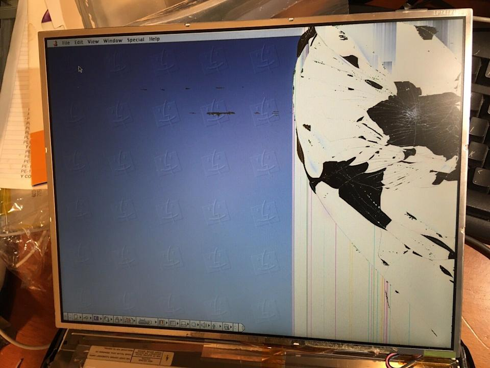 The man's LCD screen was completely damaged after it was delivered. Source: Facebook
