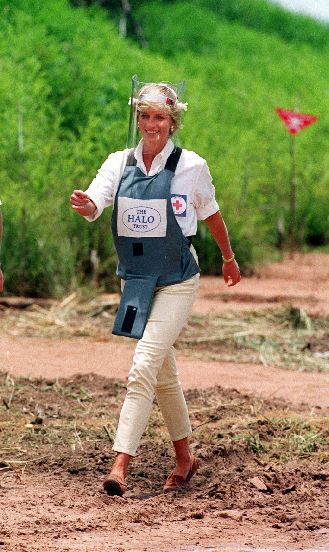 Another image showing Diana, Princess of Wales' iconic walk through a minefield in Angola in January 1997 [Photo: Getty]