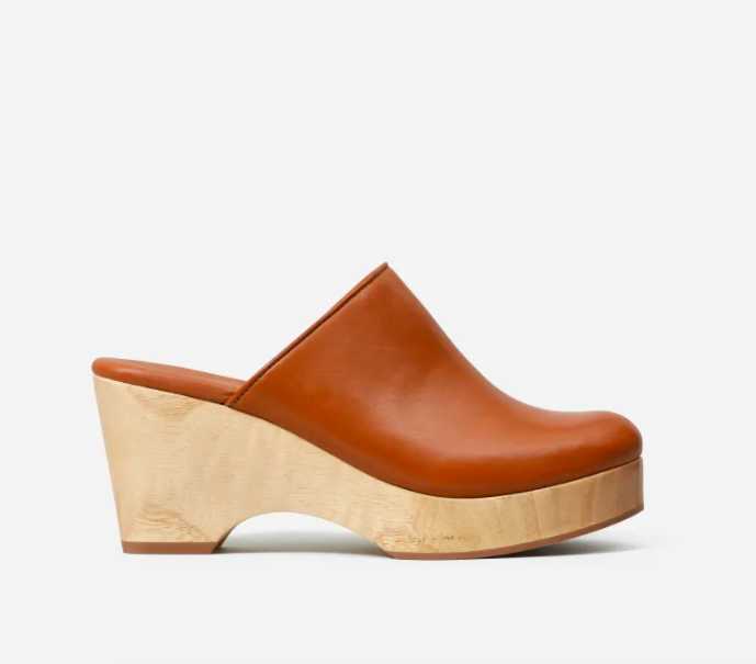The Clog Everlane (Photo via Everlane)