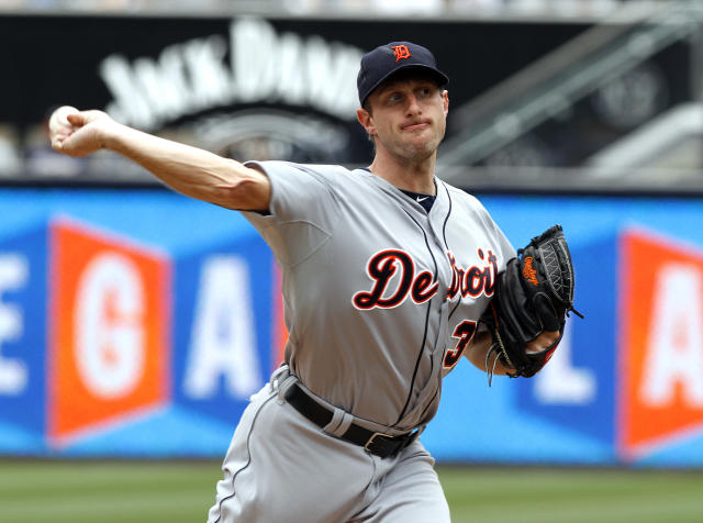 Detroit Tigers starting pitcher Max Scherzer pitches in the first inning of a baseball game against the San Diego Padres Sunday, April 13, 2014, in San Diego. (AP Photo/Don Boomer)