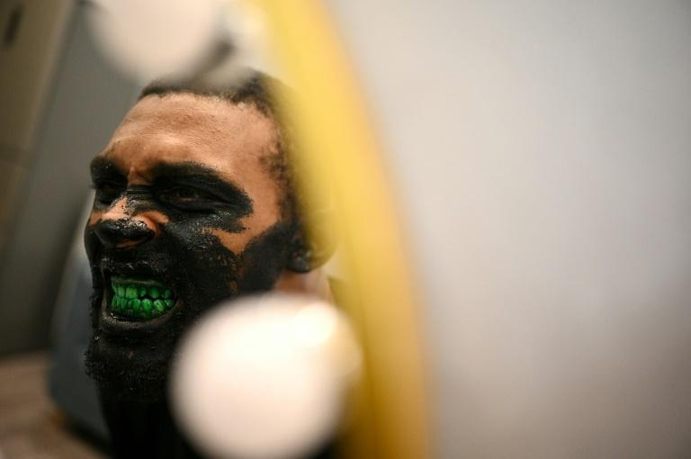 What do you see in the mirror, Zombie Dragon: American wrestler Alberto Curry says the sport is 'very new' in China