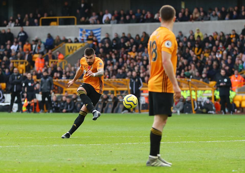 WOLVERHAMPTON, ENGLAND - NOVEMBER 10: Ruben Neves of Wolverhampton Wanderers scores his team's first goal during the Premier League match between Wolverhampton Wanderers and Aston Villa at Molineux on November 10, 2019 in Wolverhampton, United Kingdom. (Photo by Catherine Ivill/Getty Images)