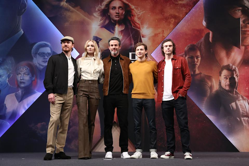 """SEOUL, SOUTH KOREA - MAY 27:  (L to R) Actor Michael Fassbender, actress Sophie Turner, director Simon Kinberg, actors Tye Sheridan and Evan Peters attend the press conference for South Korean premiere of """"X-Men: Dark Phoenix"""" on May 27, 2019 in Seoul, South Korea. (Photo by Chung Sung-Jun/Getty Images)"""