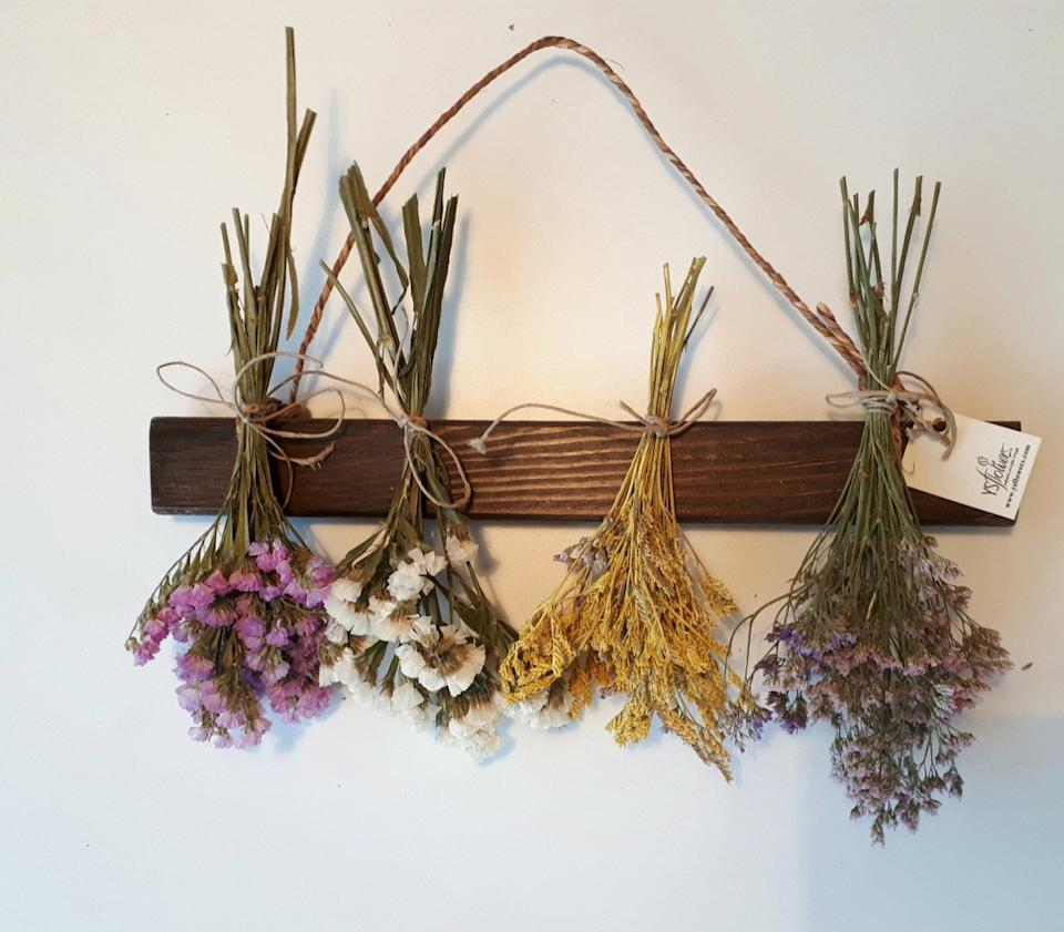 dried flowers hanging upside down, fall decorating tips