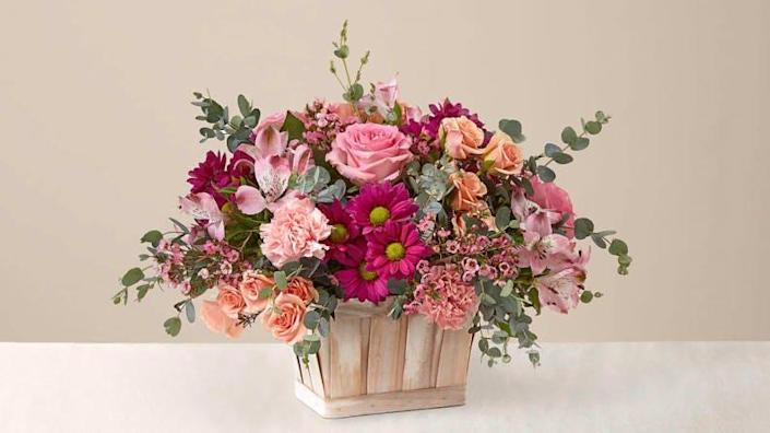 These flowers from a box are absolutely stunning.