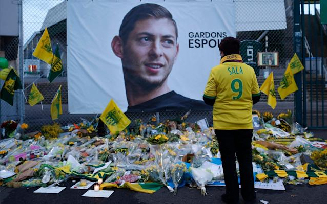 A poster of Argentinian footballer Emiliano Sala reading