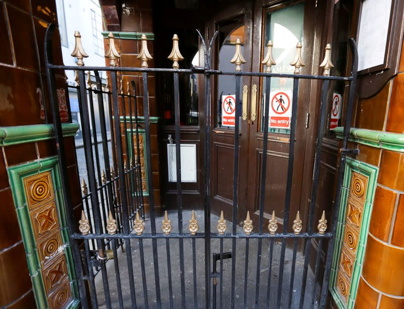 Irish pub reopening could be delayed after 'worrying' crowds outside bars, PM says