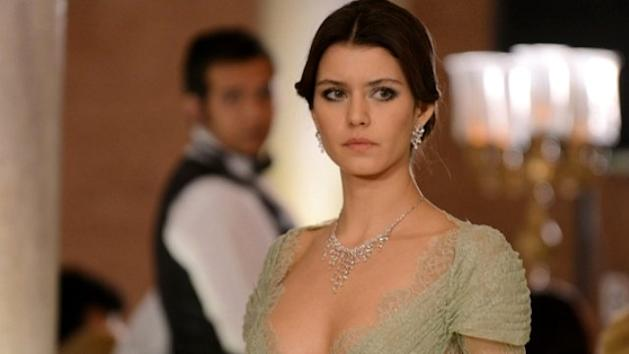 543125948db47 Netflix Digs Out Second Turkish Original 'The Gift' Fronted By 'Fatmagul'  Star Beren Saat